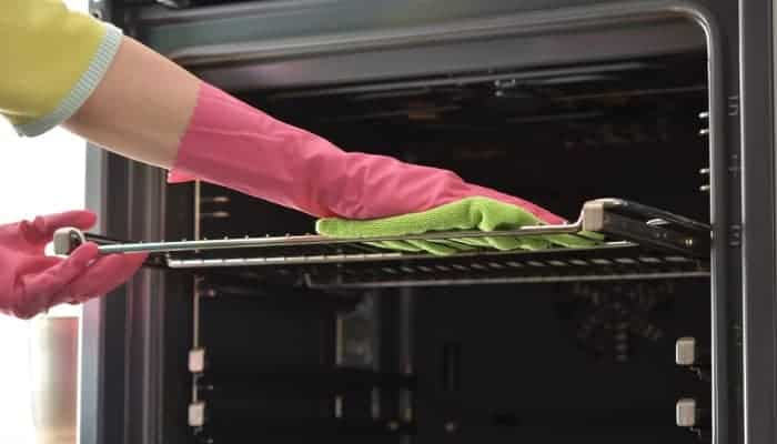 3 easy ways to clean you oven racks without chemicals