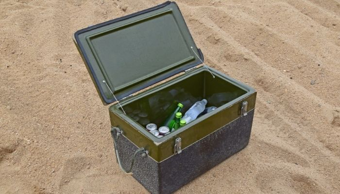 Can you use dry ice in a yeti cooler?